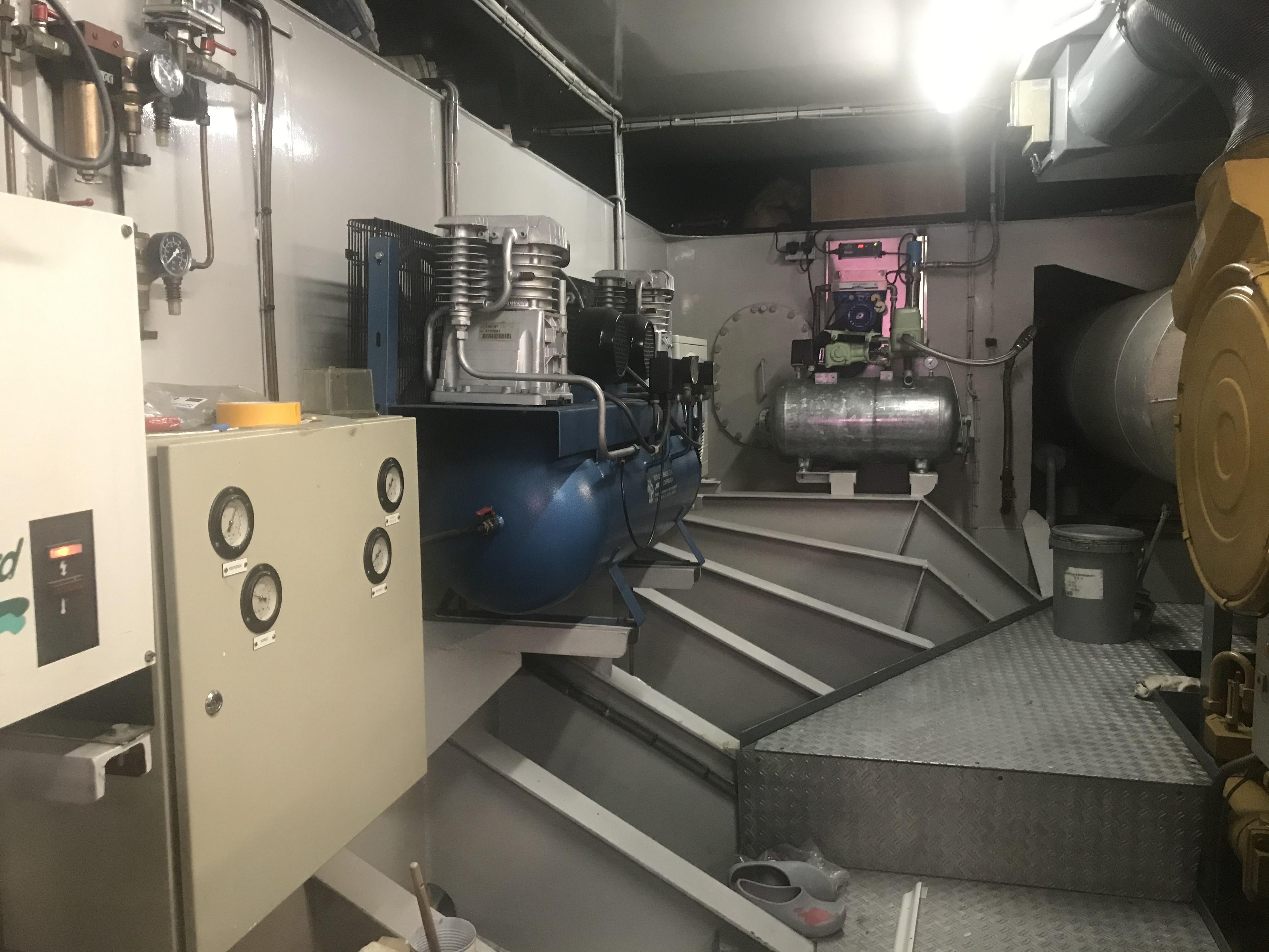 Foto's bij machinekamer